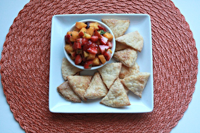 Cinnamon Sugar Pie Chips and Strawberry Peach Salsa 3