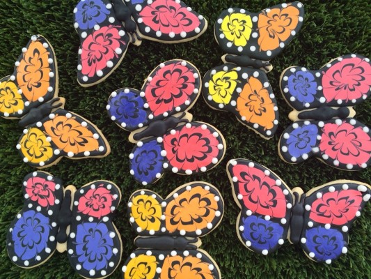 How to Decorate Beautiful Butterfly Cookies (Video)