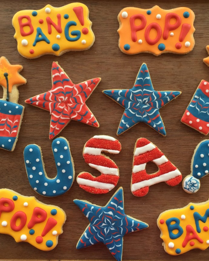 How to Decorate Fourth of July Sugar Cookies