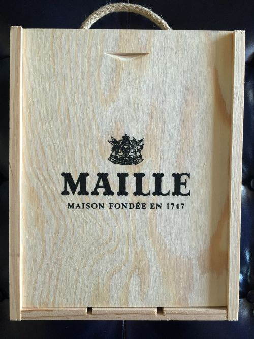 Maille container